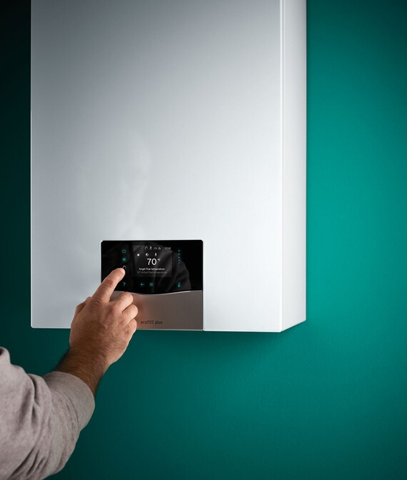 Using touch display on wall-hung boiler ecoTEC exclusive