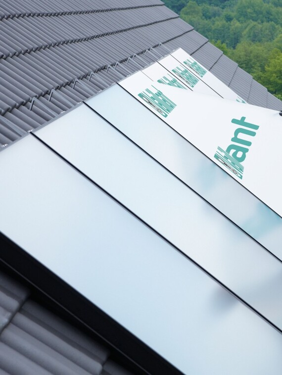 //www.vaillant.si/media-master/global-media/vaillant/product-pictures/emotion-2/solar12-3395-01-45267-format-3-4@570@desktop.jpg