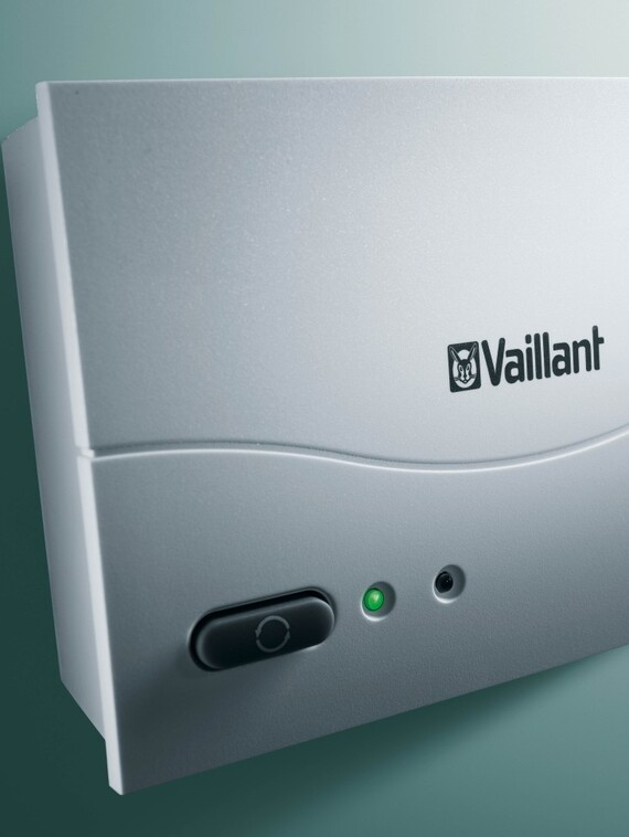 //www.vaillant.si/media-master/global-media/vaillant/product-pictures/emotion/control08-1183-02-40554-format-3-4@570@desktop.jpg